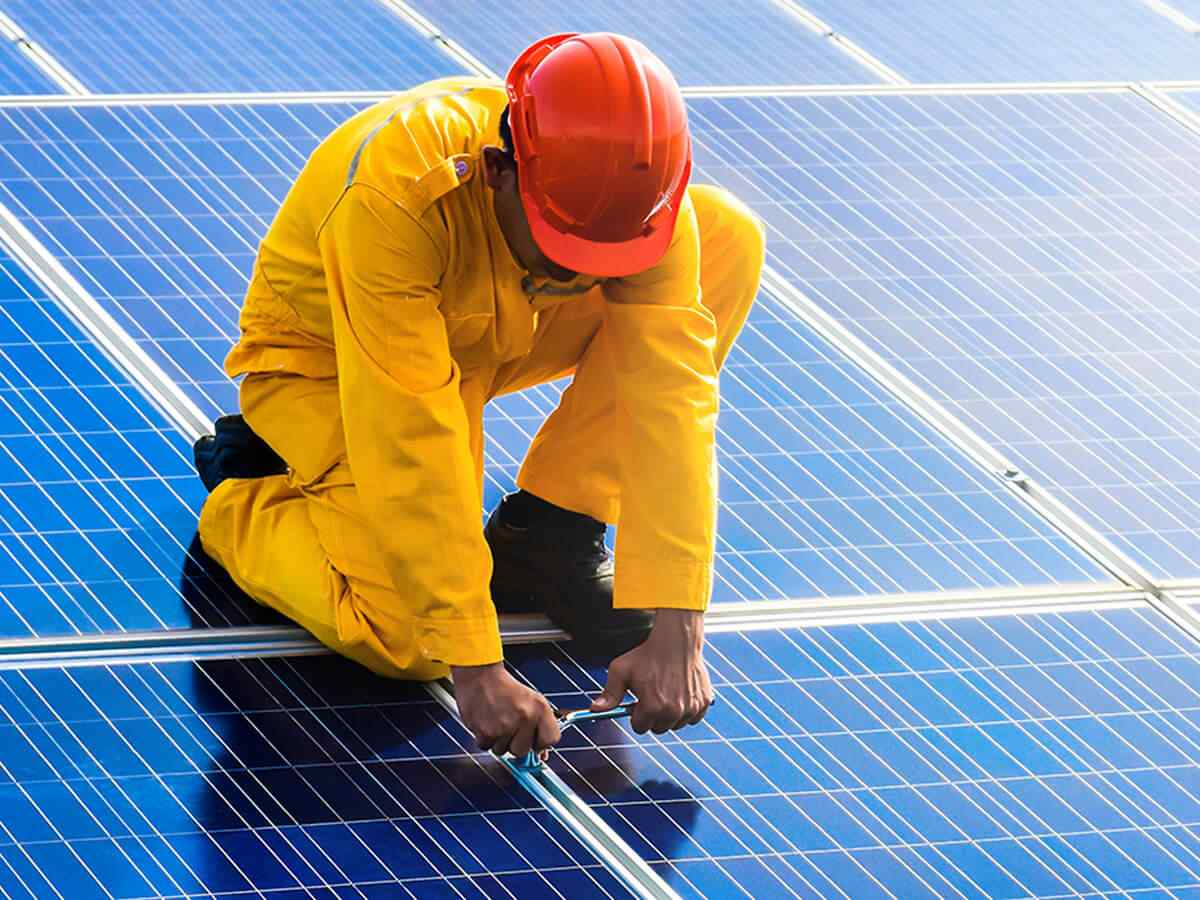https://solarpanels-tampa.com/wp-content/uploads/2018/10/inner_service_01.jpg