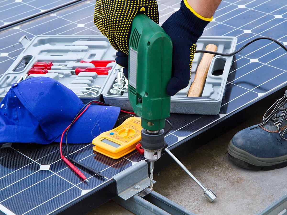 https://solarpanels-tampa.com/wp-content/uploads/2018/10/inner_service_03.jpg